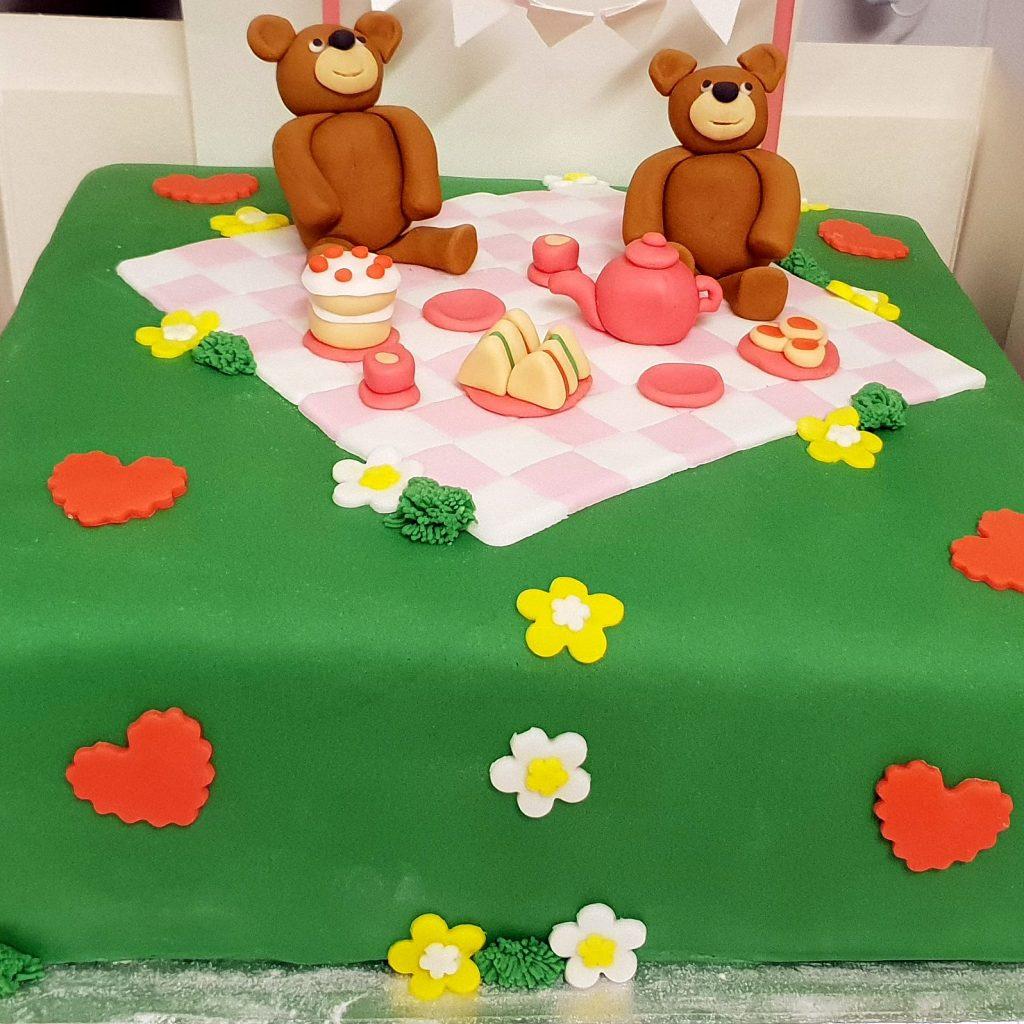teddybears picnic cake
